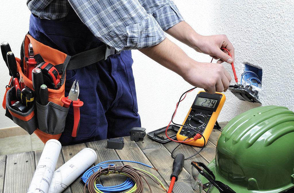 Les outils indispensables pour faire soi-même des travaux d'électricité