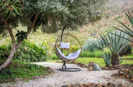 Le fauteuil suspendu ou la solution design pour se reposer!